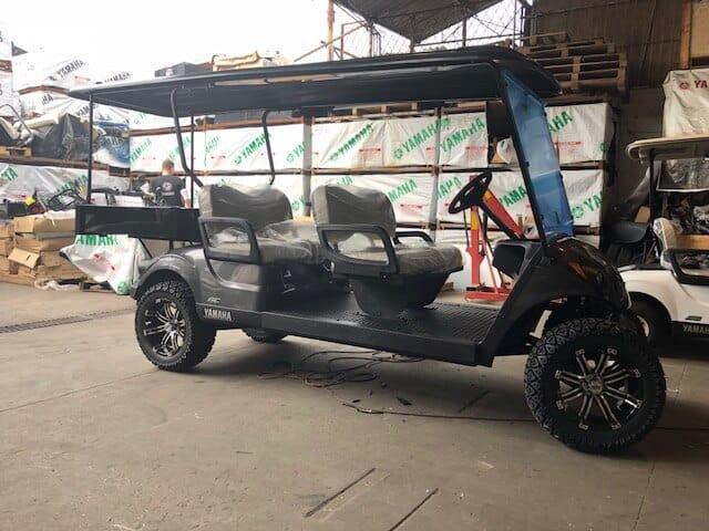 LIMO SE רכב ארוך להובלת נוסעים