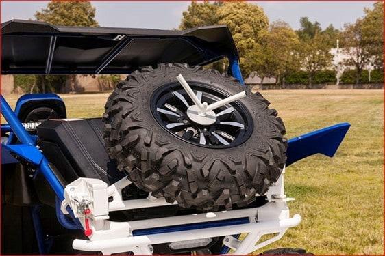 מתקן לגלגל ספייר לבן לרכב שטח